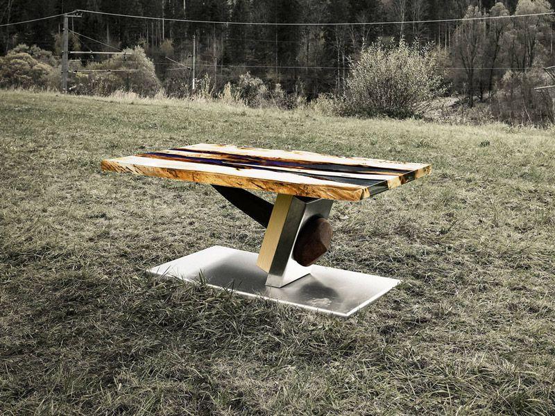 Tische Naturholz mit Kunstharzfüllung